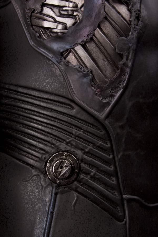 electros_suit11